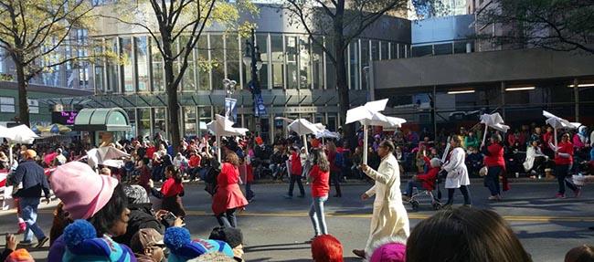 04-thanksgiving-parade-2015